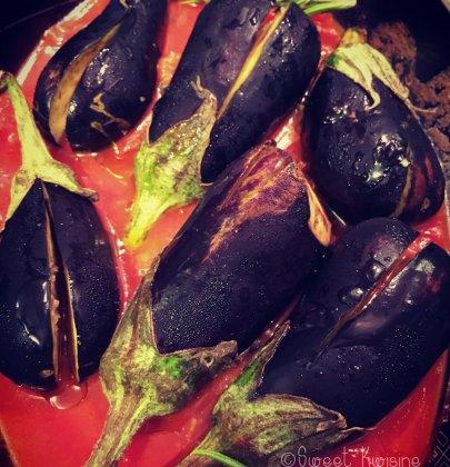 Les aubergines roties à la tomate et au romarin