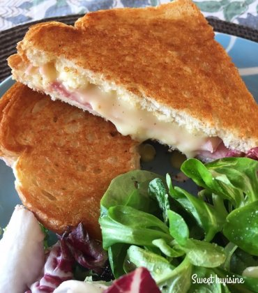 Le grilled cheese sandwich au camembert